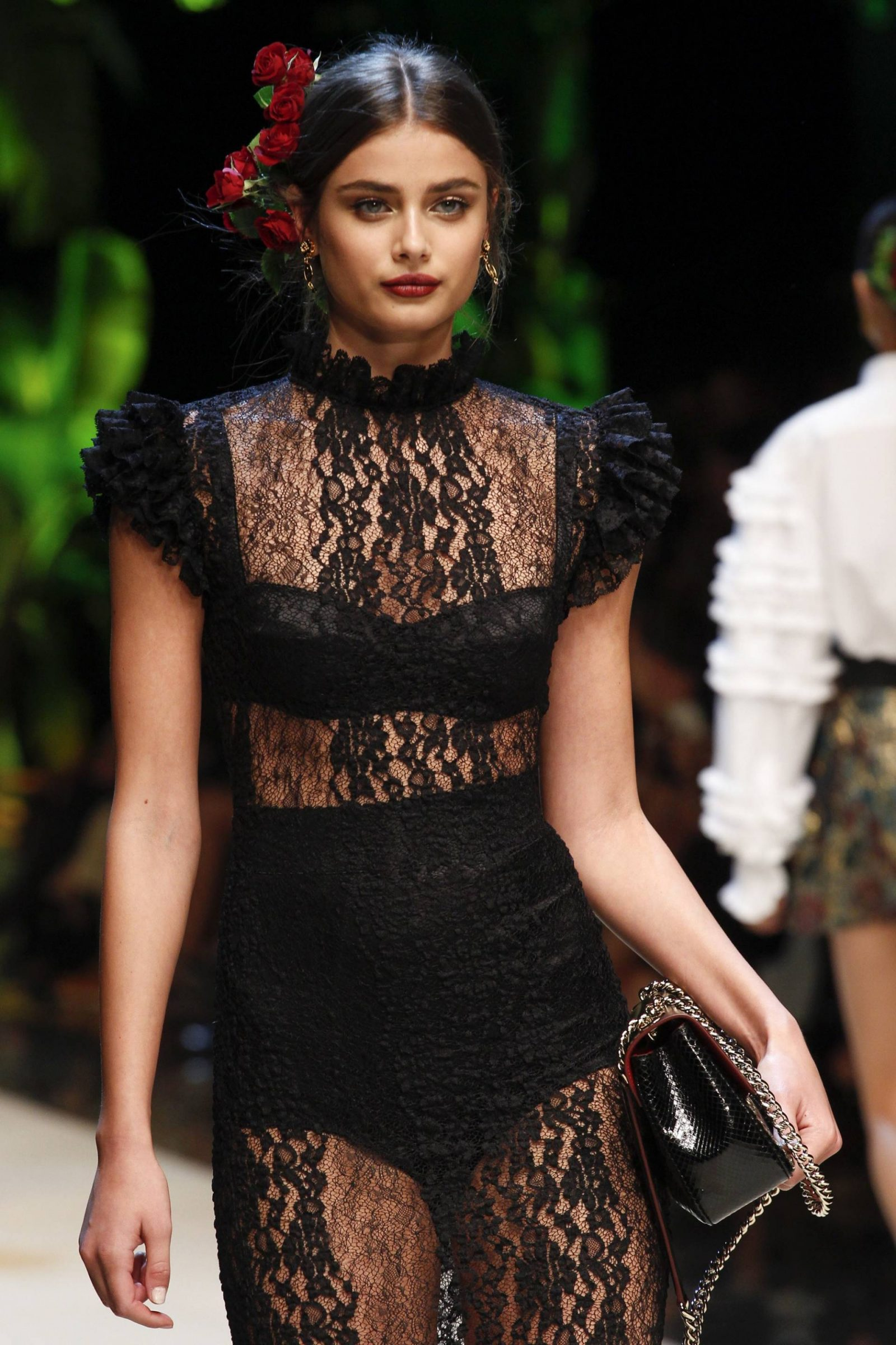 dolce-and-gabbana-spring-17-23
